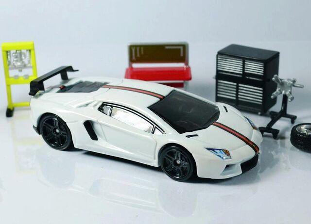 File:Lamborghini Aventador DMC by Tutumi.jpg