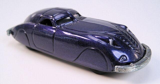 File:38 Phantom corsair purple metallic MAL base real riders.JPG