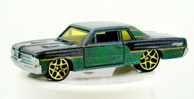 File:'64 Pontiac GTO-2014 Color Shifters(Warm).jpg