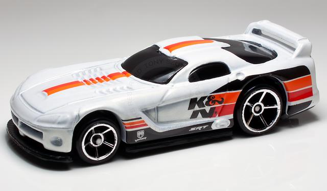 File:Dodge viper gts-r 2012 white.png