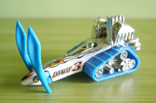 File:Big Chill Snowmobile -2003 Edition- (White-Blue).jpg