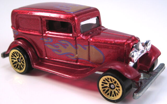File:32 ford delivery candy apple red gold LW street rods set car 1999.JPG
