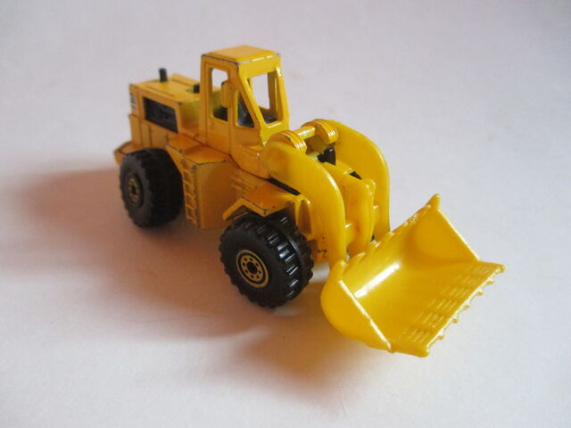 File:Yellow Wheel Loader.JPG