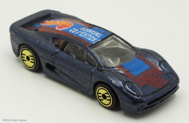 File:Jaguar XJ220-24777 3.jpg