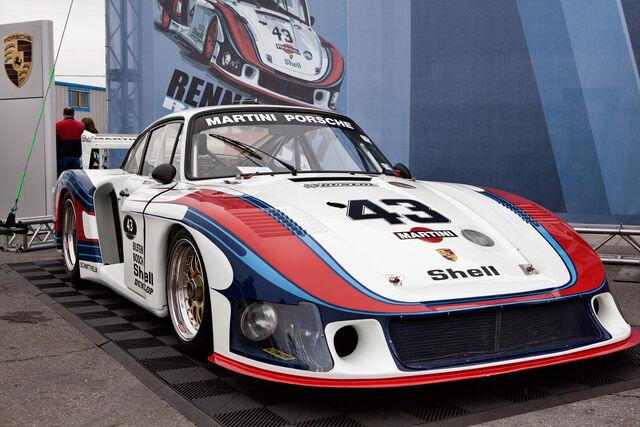 File:Bōsōzoku Porsche 935-78 Moby Dick.jpg
