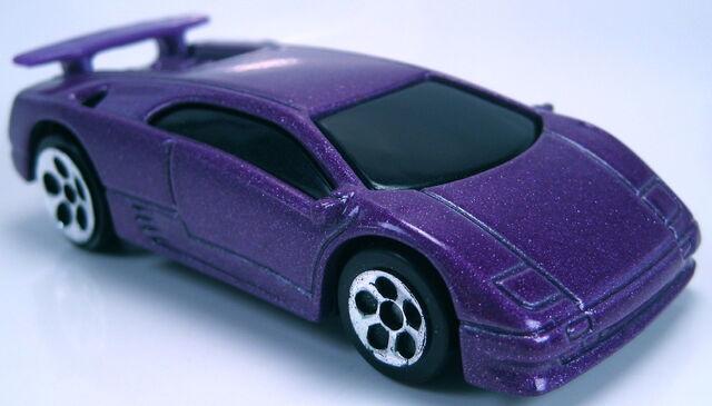 File:Lamborghini diablo purple mcdonalds promo 2000.JPG