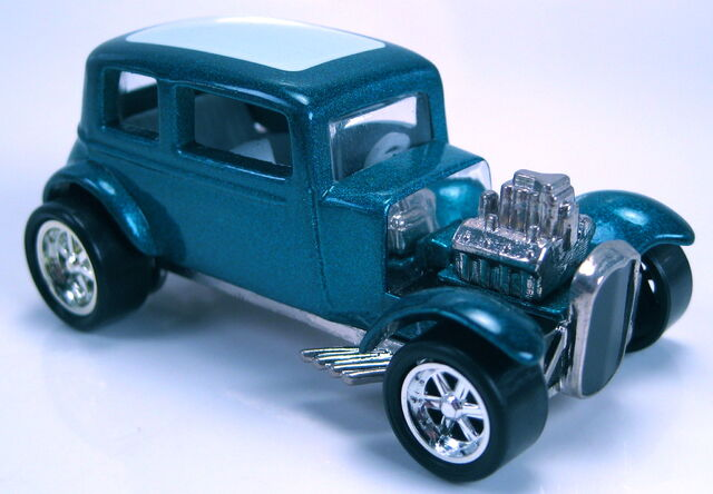 File:32 ford vicky turquoise met from 100 anniversary auto set.JPG