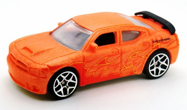 File:Dodge Charger SRT8-2014 Color Shifters Cold.jpg