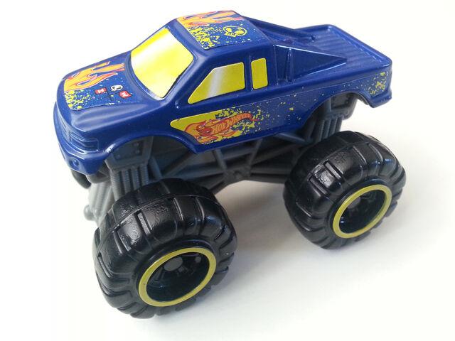 File:Monster Truck side.jpg
