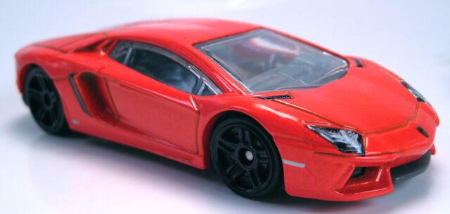 File:'12 Lamborghini Aventador orange new model.JPG