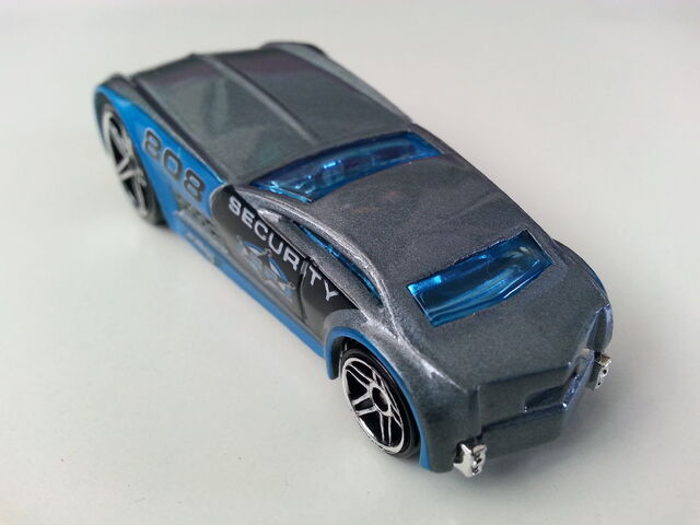 File:Cadillac V-16 Concept (Hardnoze) 1 rear.jpg