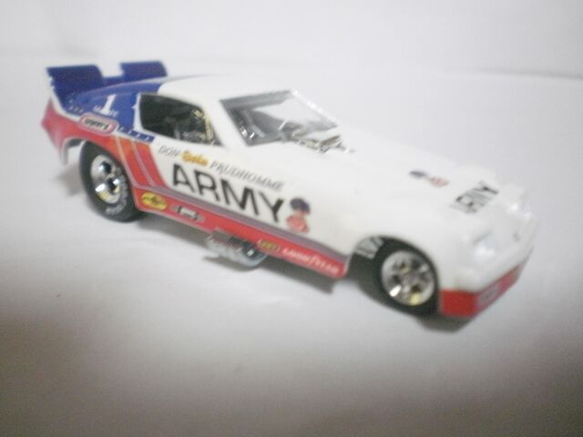 File:'75 chevy monza FC snake army 2010 dragstrip demons.JPG