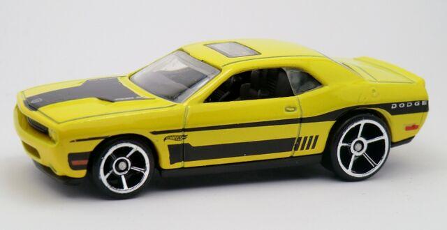 File:'08 Dodge Challenger SRT8-2013 227.jpg