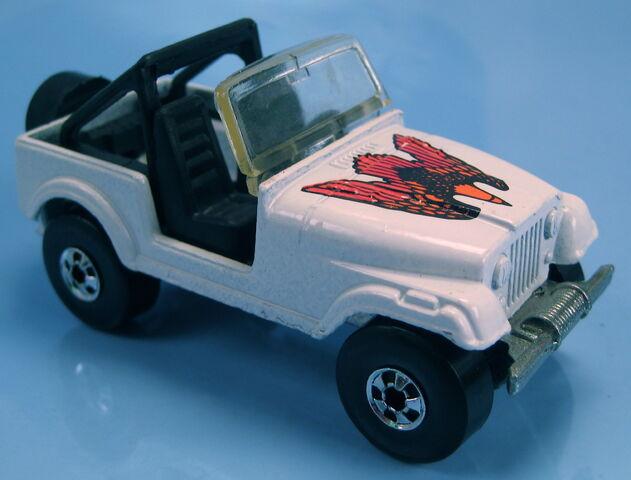 File:Jeep cj7 white no white frame mal base BW.JPG