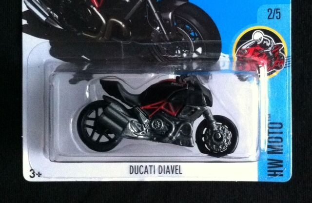 File:DucatiDiavelDHR39.jpg