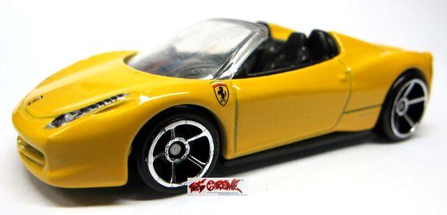 File:Ferrari 458 Italia Spider-Yellow-1.jpg
