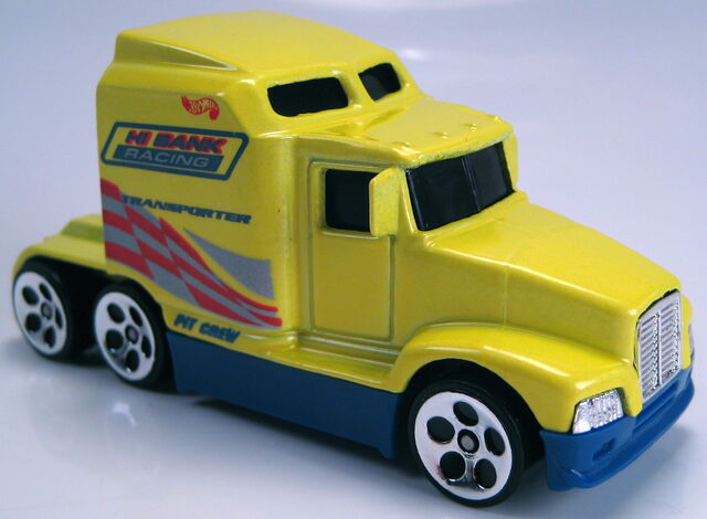 File:Big rig yellow pearl race team crew 5 pack 1999.JPG