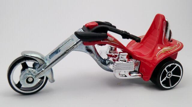File:3-SQUEALER-2013 Motor Cycles.jpg
