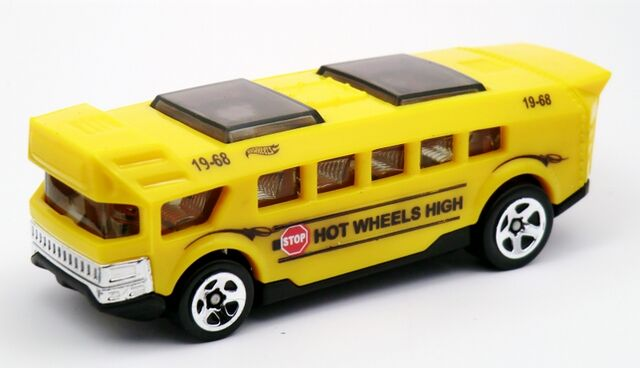 File:Hot Wheels High-2013 120.jpg