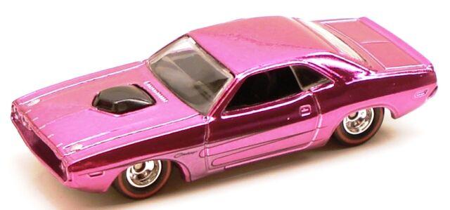 File:70hemichallenger classicset pink.JPG