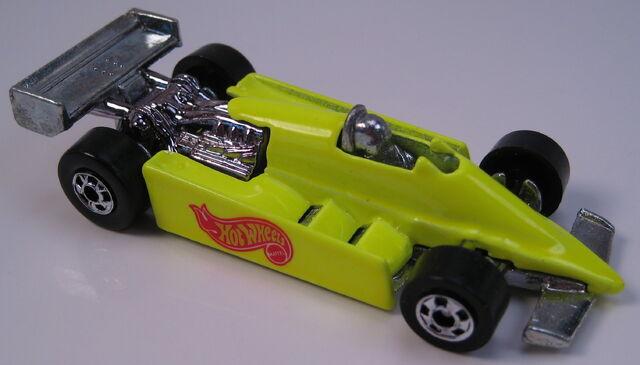 File:Turbo streak neon yellow BW.JPG