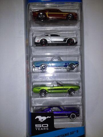 File:Hot wheels Mustang 50.jpg
