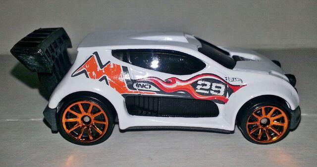File:HW-2014-110-Fast 4WD-RoadRally...jpg