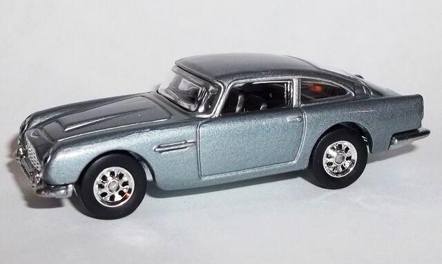 File:HW-2015-Entertainment Series-Mix F-1963 Aston Martin DB5-Goldfinger.jpg
