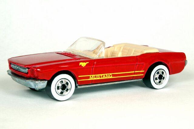 File:Dark Red '65 Mustang Convertible - 6348df.jpg