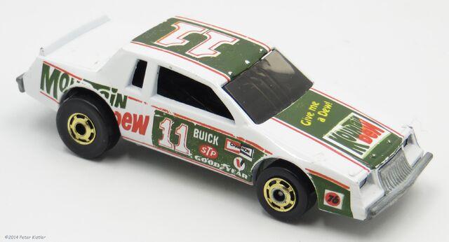 File:NASCAR Stocker-10073.jpg