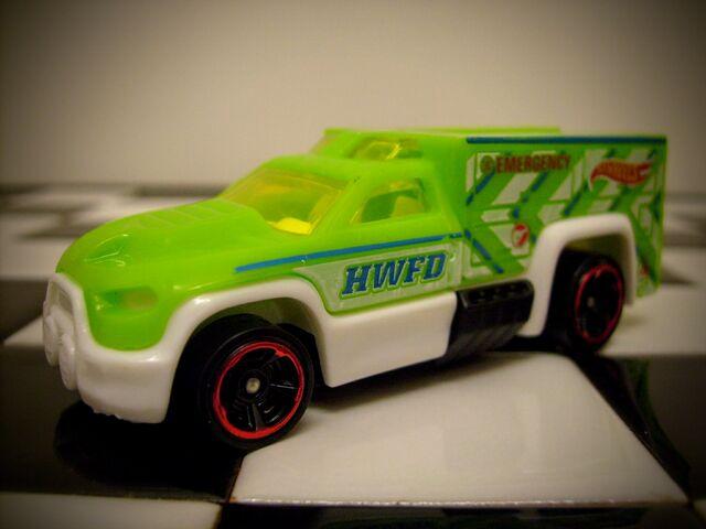 File:Hot Wheels (Treasure Hunts) Rescue Duty 2014.JPG