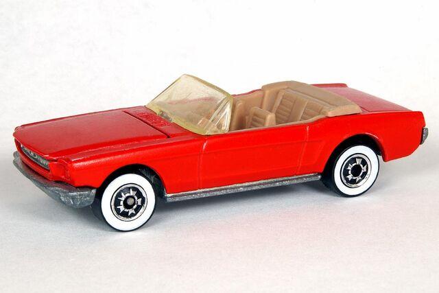 File:'65 Mustang Convertible - 6186df.jpg