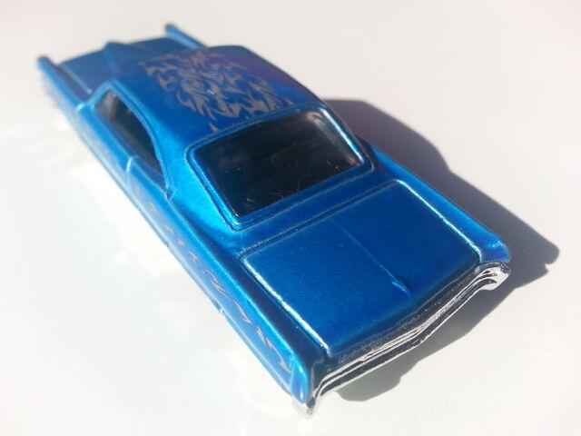 File:'65 Pontiac Bonneville rear.jpg
