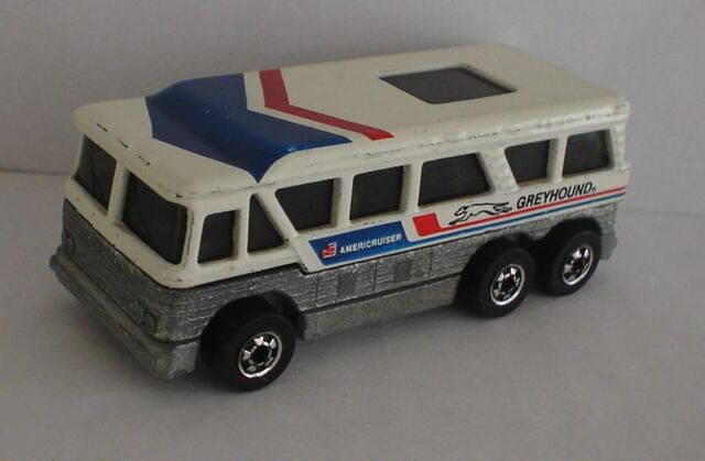 File:Greyhound bus hot wheels 2 5.jpg