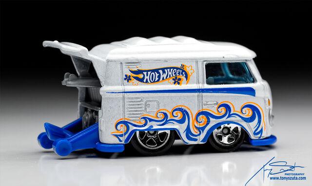 File:Hot-wheels-kool-kombi-white-2013.jpg