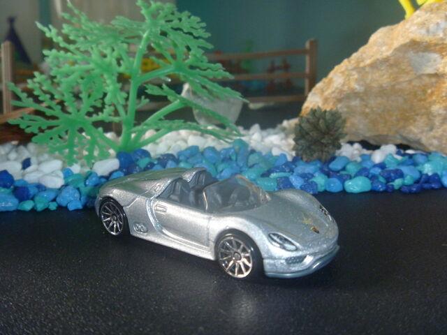 File:Porsche 918 Spyder.JPG