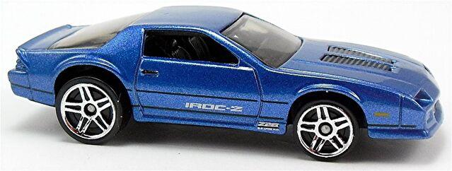 File:1985-Chevrolet-Camaro-IROC-Z-g2.jpg