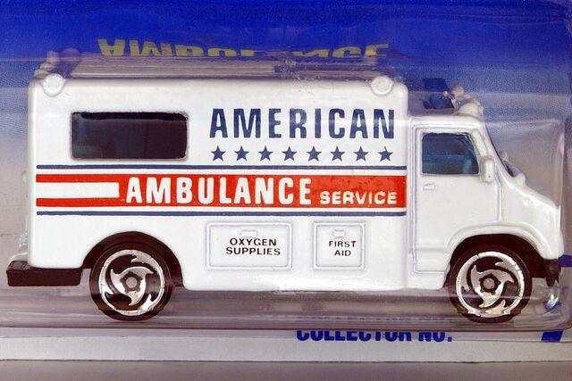 File:Sawblades American Ambulance - 6464cf.jpg