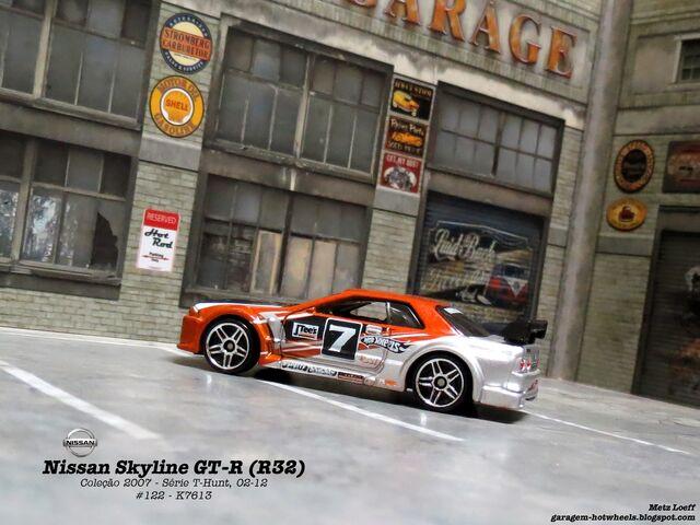 File:Nissan Skyline GT-R (R32) - 03.jpg