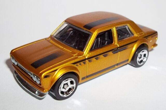 File:HW-2014-Cool Classics--27-Datsun Bluebird 510...jpg