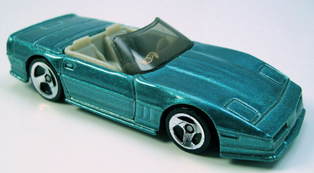 File:Corvette convertible aqua beige int tint glass 3sp avon set car.JPG