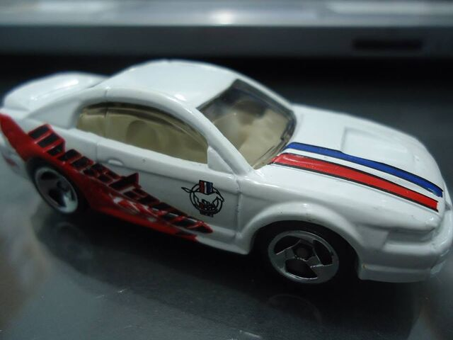 File:Mustang 99 2001.jpg
