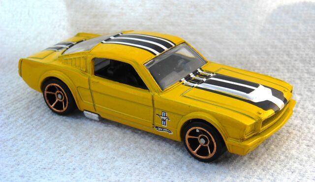 File:010a3 - 65 Mustang Walmart yel 2010.jpg