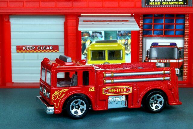 File:Fire Eater - 6921cf.jpg