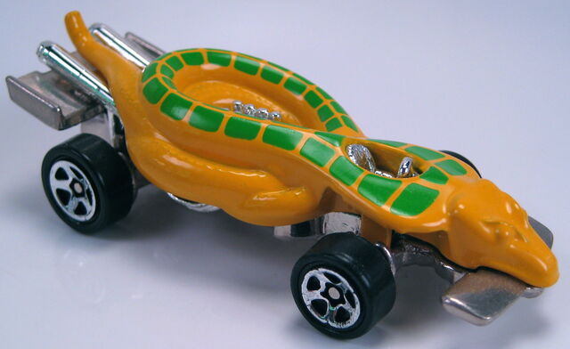 File:Turboa yellow with green tampos 5sp wheels snake pit playset car 1998.JPG