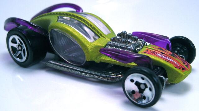 File:I candy FE thin wheels clear glass.JPG