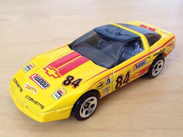 File:Retro Style Series '80s Corvette.JPG