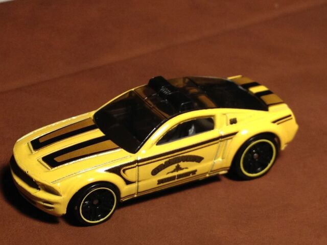 File:Ford Mustang GT Concept yellow.jpg