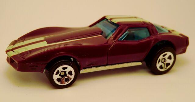 File:Corvette Stingray-2013 3-Pack.jpg