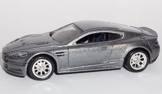 File:HW-2014-Retro Entertainment-Aston Martin BDS.jpg